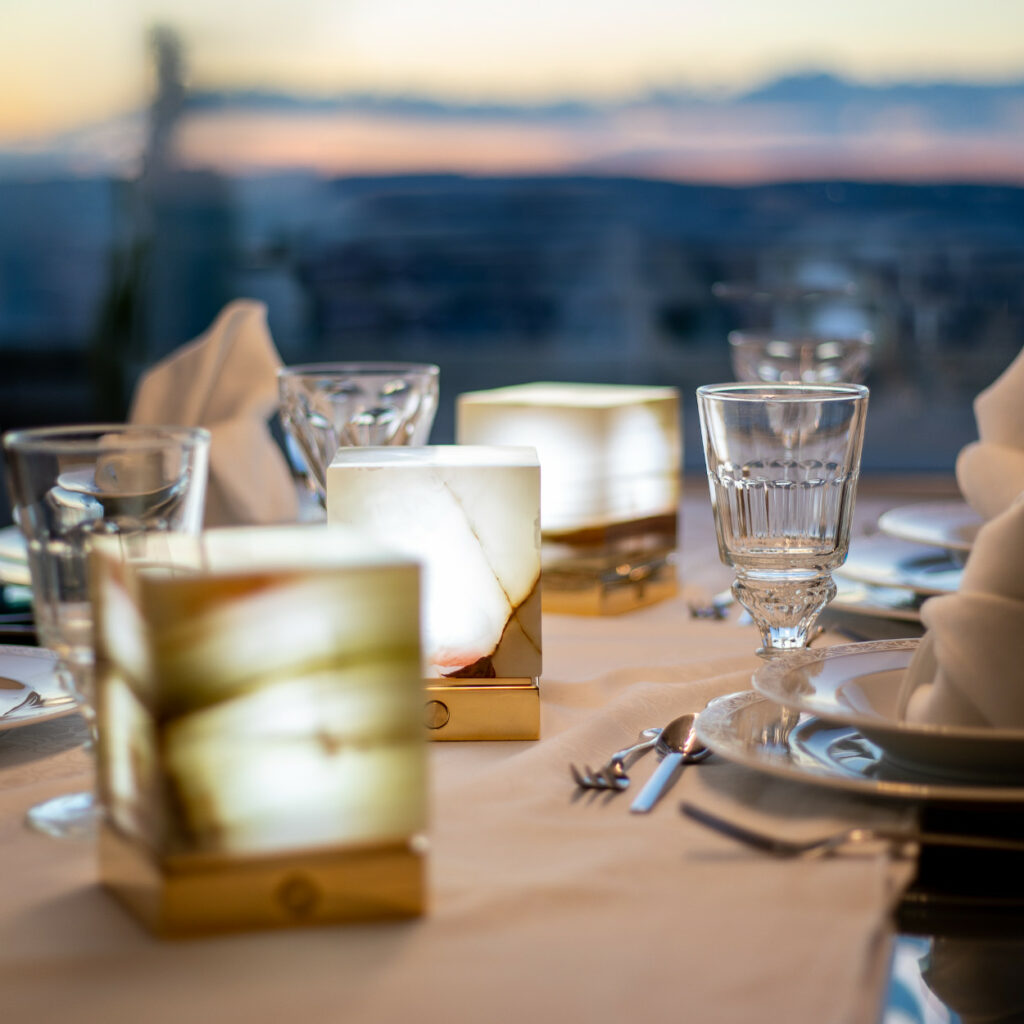 Three Onyx Designer Lamps ITSU One on dinner table