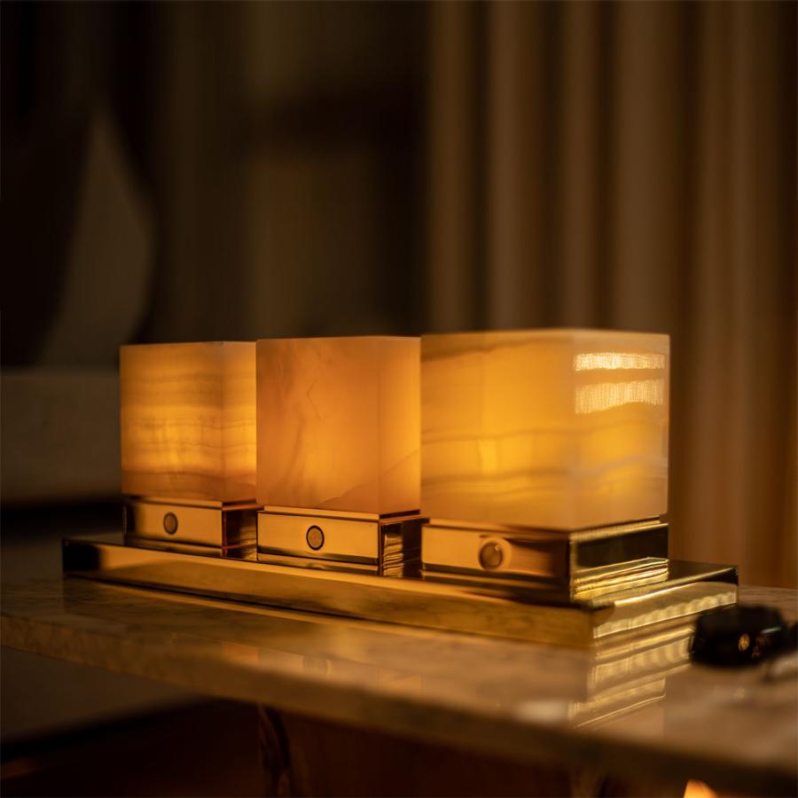 Onyx Designer Lamp ITSU Trio in candle mode